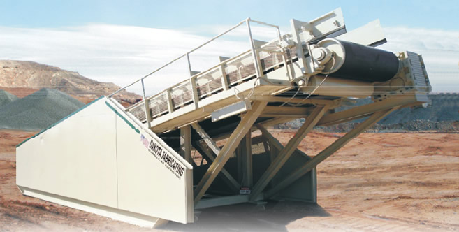 Dozer Trap feeder with catwalks